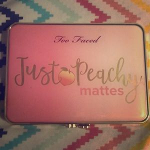 Too faces Just Peachy Mattes eyeshadows palette